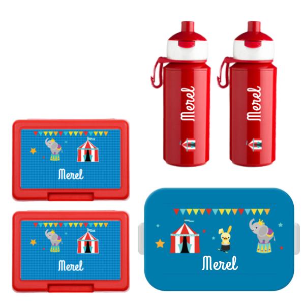 Mepal to go lunchbox midi (4 sneden), 2 x fruit/koekendoosje en 2 x popup drinkfles met naam 0,25l