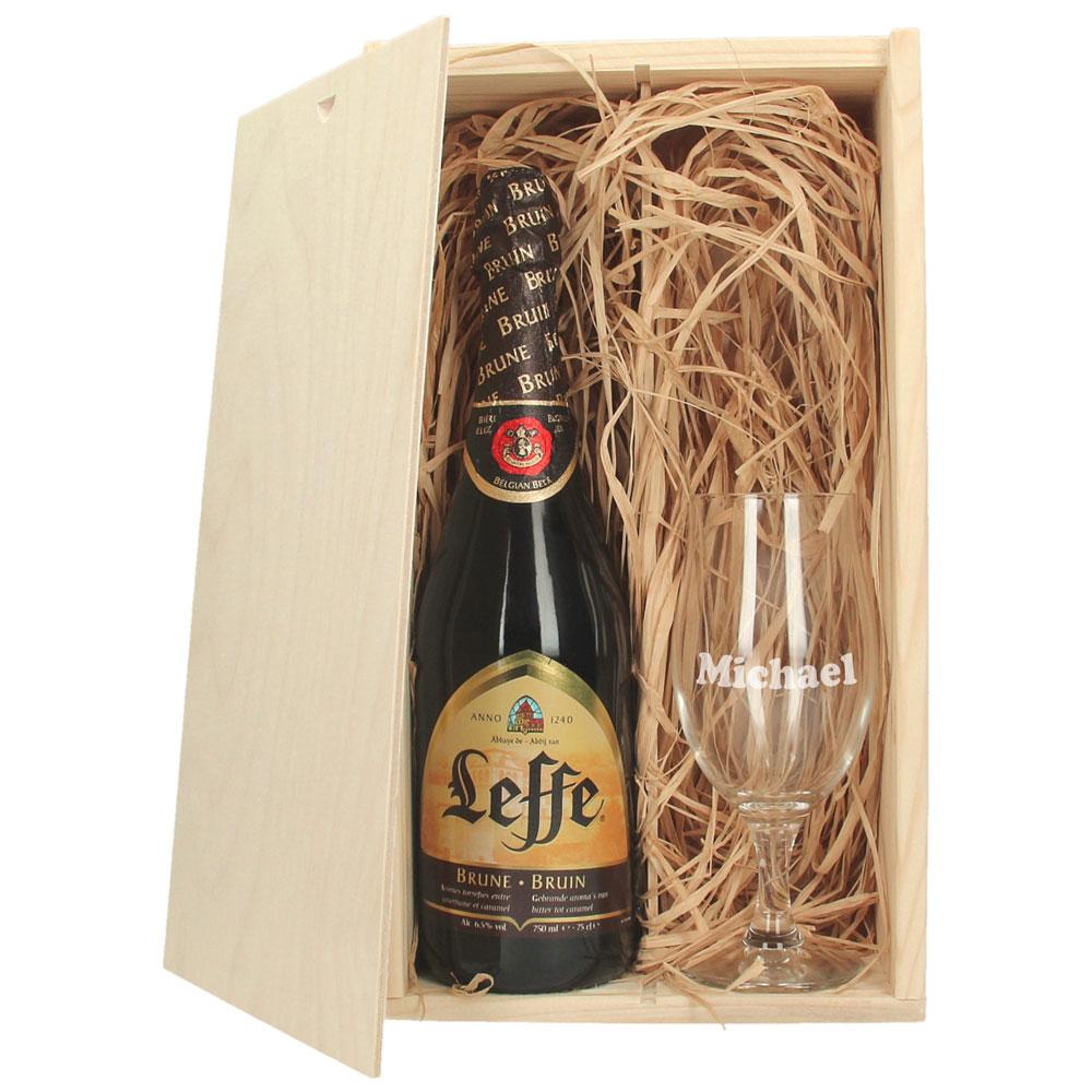 Coffre à bière avec verre à bière gravé - Leffe Brune