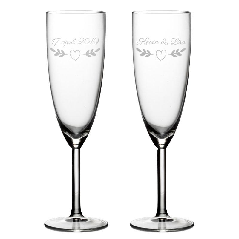 Set van 2 Champagneglazen met naam - Valentijn Design 2