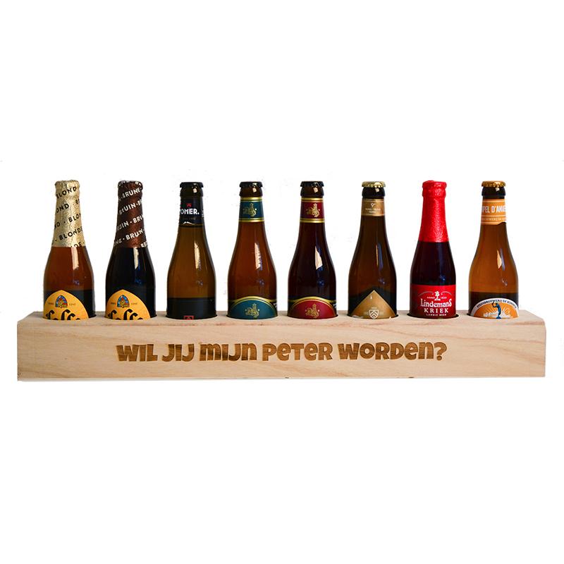 Caisse de bière en bois avec texte  - 8 bouteilles de bière inclus