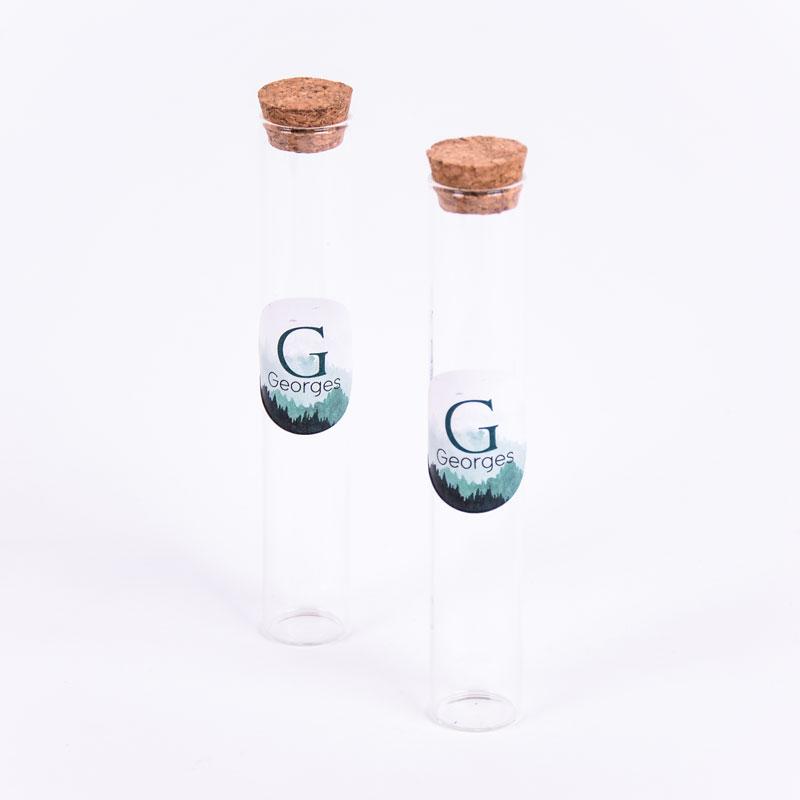 Glazen tube met sticker Georges