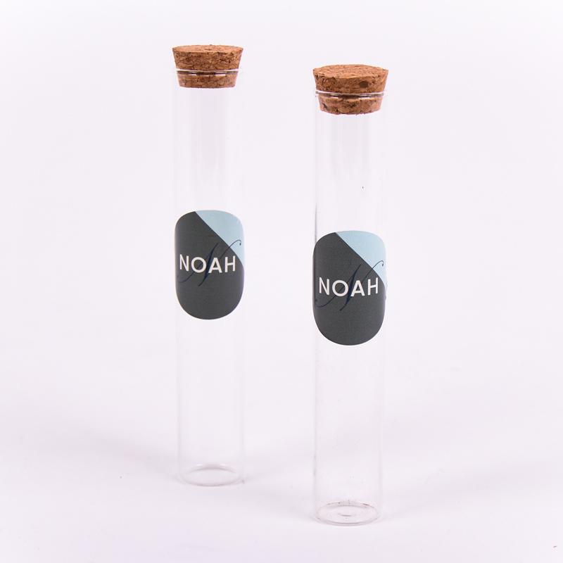 Glazen tube met sticker Noah