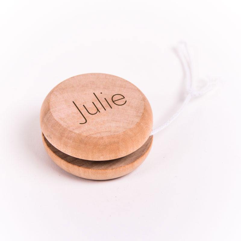 Jojo gegraveerd met naam Julie