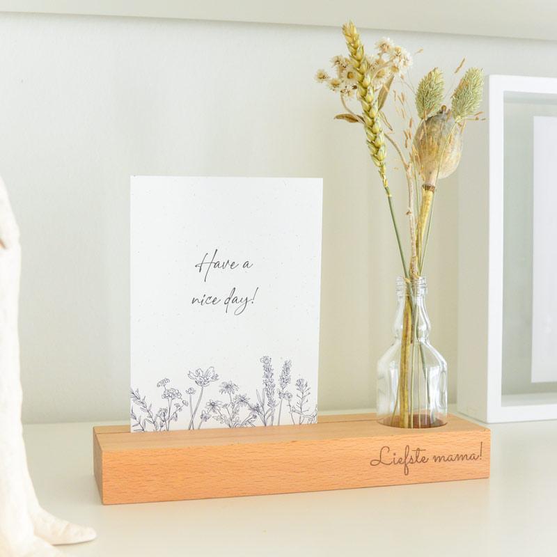 Fotohouder gegraveerd met naam incl. kaart, vaasje en droogbloemen