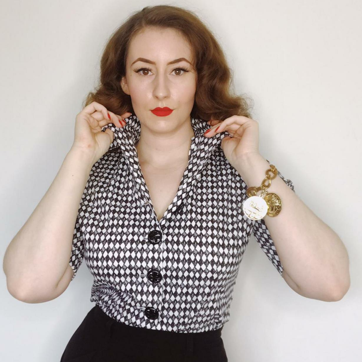 1950s-t-shirt-black-diamond-1