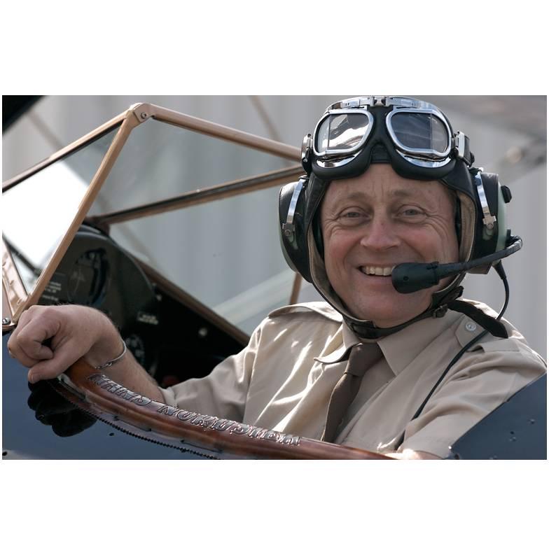 Piloot met de Vijf Strepen Hans Nordsiek