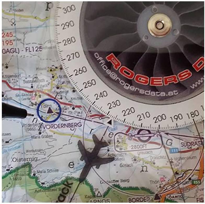 Rogers-Data-RDtech-pens_ICAO-VFR-Luftfahrtkarten4