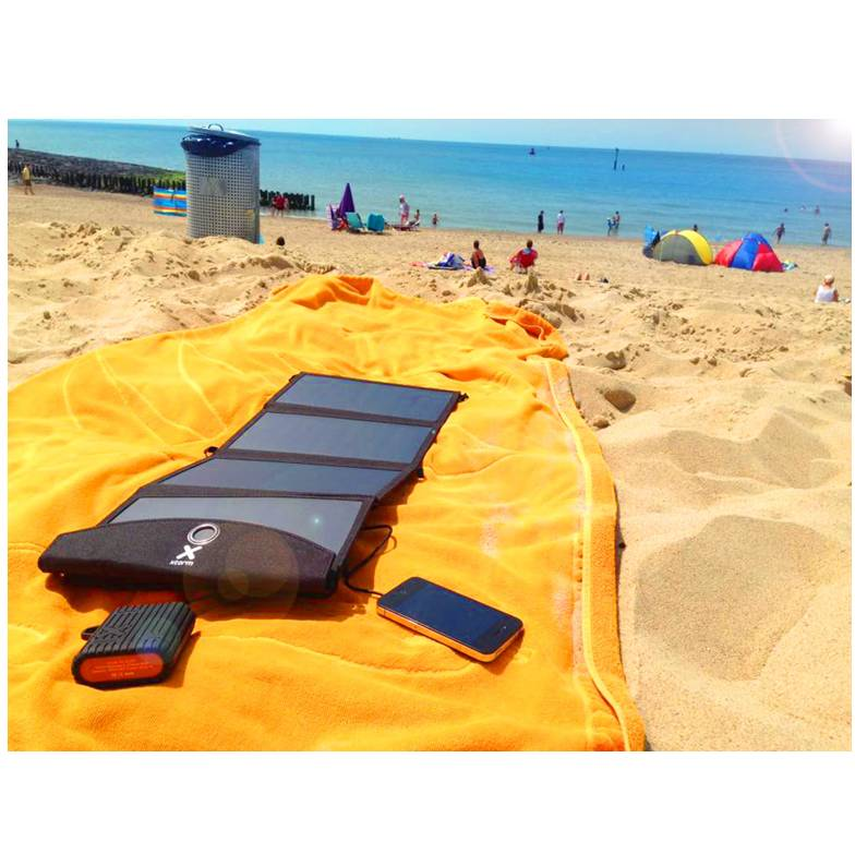 Xtorm AP175 Solarbooster 24W - 8